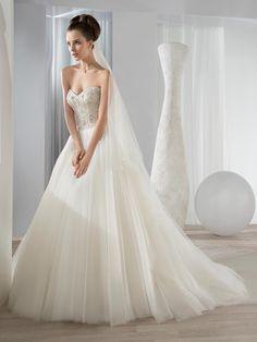 Brautkleid 600 von Demetrios auf Ja.de