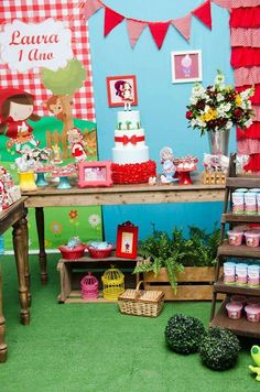 Little Red Riding Hood Birthday Party Ideas | Photo 37 of 39