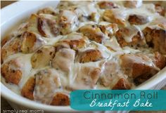 Cinnamon Roll Breakfast Bake - what's better than waking up to the aroma of cinnamon rolls baking in the oven? This Cinnamon roll breakfast is just amazing.