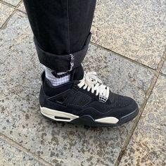 """CaminoTV - Media & Shopping 📺🛍 on Instagram: """"AJ4 BLACK/WHITE CAT 🐈⚫️ ➖ @brad_hobbs est un gros collectionneur de sneakers écossais, et il tient aussi un skateshop à Édimbourg :…"""" Jordans Sneakers, Air Jordans, Fresh Kicks, Unisex Fashion, Huaraches, Nike Huarache, Footwear, Hobbs, Shopping"""