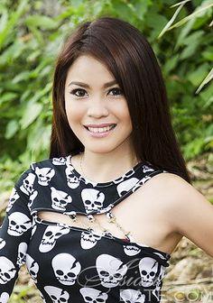 Bem-vindo à nossa galeria de fotos!  Dê uma olhada em Hillary Quimbo, mulher asiática mulher companheirismo romântico
