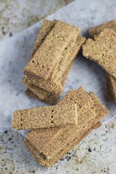 Grain Free Graham Crackers | http://www.worthcooking.net/paleo-graham-crackers/