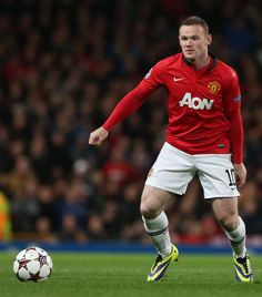 9 Wayne Rooney Name in native country:	Wayne Mark Rooney Date of birth:	24.10.1985 Place of birth:	Liverpool   Age:	28 Height:	1,78 Nationality:	  England Position:	Striker - Secondary Striker Foot:	right Market value:	39.500.000 £ 45.000.000 €