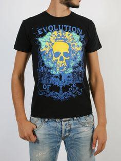 DE BLASIO: T-shirt Mens Fashion, Mens Tops, T Shirt, Style, Moda Masculina, Supreme T Shirt, Swag, Man Fashion, Tee Shirt