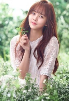 What will happen if BTS' V and actress Kim Sohyun caught in dating rumor. Kim So Hyun Fashion, Korean Fashion, Korean Beauty, Asian Beauty, Kim Sohyun, Han Hyo Joo, Kim Yoo Jung, Kim Ji Won, Asian Celebrities