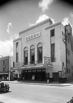Odeon Cinema, High Street, Kingston Upon Thames, Greater London Richmond London, Old London, South London, Kingston Upon Thames, Greater London, Historical Images, Old Buildings, Black And White Pictures, Surrey