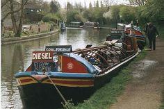 2002 : Trading Boat near Braunston Turn