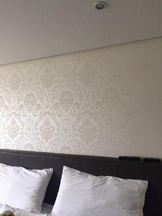 Camera da letto mod valentino carta da parati cabina for Carta da parati decorativa moderna