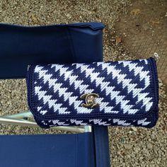 Discover thousands of images about Plastic Canvas Crafts, Plastic Canvas Patterns, Crochet Bag Tutorials, Crochet Baby Dress Pattern, Canvas Purse, Crochet Purses, Crochet Accessories, Handmade Bags, Wallet