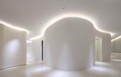 Leibal: Hommachi Dermatology Clinic by Tsubasa Iwahashi