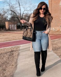For the days when you are feeling casual, you could just recreate a look similar to this one. Casual Fall Outfits, Winter Fashion Outfits, Fall Winter Outfits, Classy Outfits, Winter Clothes, Fashion Boots, Plus Size Winter Outfits, Plus Size Fall Outfit, Plus Size Outfits