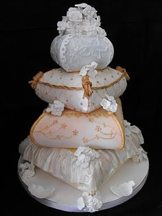 Denver Designer Cakes Would be a magnificent first communion cake.