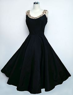 The wide neckline makes shoulders look smaller:) Vintage EMMA DOMB Black Taffeta Dress Pink Satin Pearls Beads Circle Skirt Style Outfits, Mode Outfits, Pretty Outfits, Pretty Dresses, Beautiful Outfits, Vintage Dresses 50s, Vestidos Vintage, Vintage Outfits, 1950s Dresses