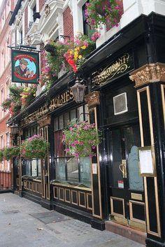 Sherlock Homes Cafe in London