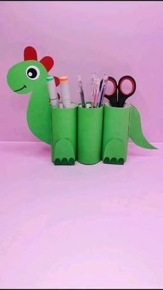 Paper Roll Crafts, Paper Crafts Origami, Diy Crafts For Gifts, Paper Crafts For Kids, Craft Activities For Kids, Creative Crafts, Preschool Crafts, Diy Paper, Diy For Kids