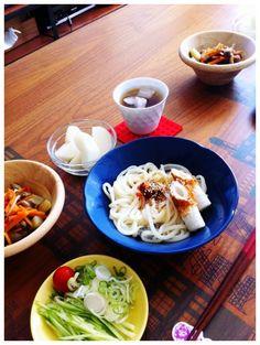 家ごはんうまいー - 1件のもぐもぐ - ラー油ぶっかけうどん、高野豆腐と茄子の煮物、梨 by chirarhythm