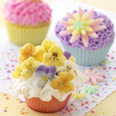 Flower Power Cupcakes. #food #spring #Easter #cupcakes