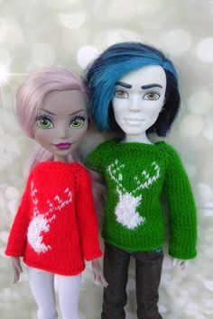 Matching Christmas sweaters with deer. Doll clothes for 12 inch Monster High. Hand-knitted green sweater for a boy + red sweater for a girl Matching Christmas Sweaters, Matching Christmas Outfits, Christmas Clothes, Monster High Doll Clothes, Monster High Dolls, Christmas Deer, Christmas Time, Christmas Gifts, Christmas Thoughts