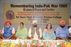 Harsimrat Kaur Badal met 1965 war veteran and heroes. #harsimratkaurbadal #SAD #veterans #soldiers #freedom #punjab #brave