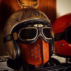 darn steam punx…gentlemansessentials:Cafe Racer Gentleman's Essentials Bobber Custom, Custom Helmets, Moto Cafe, Cafe Bike, Motorcycle Mask, Motorcycle Style, Classic Motorcycle, Cafe Racer Helmet, Vintage Helmet
