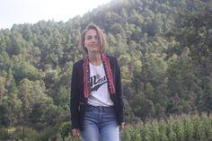 Auténticos bordados de los Altos de Chiapas en tu prenda favorita. SERVICIO PERSONALIZADO info.farfromhome@gmail.com