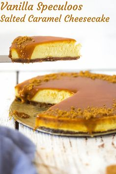Vanilla Speculoos Salted Caramel Cheesecake Basic vanilla cheesecake with Lotus speculoos cookie crust, topped with salted caramel Lotus Cheesecake, Basic Cheesecake, Salted Caramel Cheesecake, Cheesecake Recipes, Keto Friendly Desserts, Low Carb Desserts, Fun Desserts, Delicious Desserts, Cookie Crust