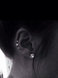 I want to do this with a double ear lobe on the left ear - Jewelry & Pi . - I want this with a double ear lobe on the left ear – jewelry & piercing – ears – - Daith Piercing, Triple Piercing, Ear Peircings, Piercing Tattoo, Flat Piercing, Double Forward Helix Piercing, Inner Conch Piercing, Forward Helix Earrings, Bellybutton Piercings