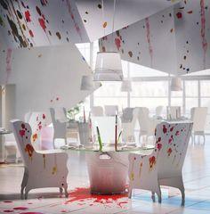 Designer polonesa cria decoração com pingos de tinta - Casa