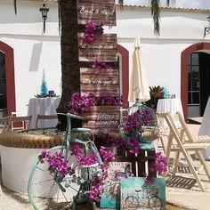 El primer beso...ella dijo sí... #decoracióneventossevilla #bodasconestilo #bodasconencanto #sorprendeteysorprende #atreveteasorprender…