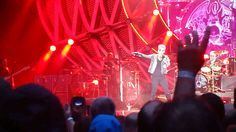 "Queen and Adam Lambert Fat Bottomed Girls partial ""Ride"" May 27 2016 Col..."