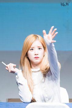 Apink - Chorong South Korean Girls, Korean Girl Groups, Panda Eyes, Pink Panda, Chubby Cheeks, Seolhyun, Fans Cafe, Cube Entertainment, Dad Jokes