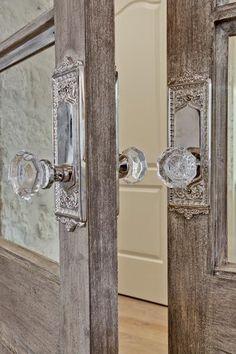 A vintage glass doorknob DIY for under $14! | Jenna Sue Design Blog