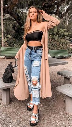 Fantastic fashion style are offered on our web pages. look at this and you wont be sorry you did. Outfits Hipster, Tumblr Outfits, Girl Outfits, Fashion Outfits, Womens Fashion, Simple Outfits, Casual Outfits, Mom Jeans Outfit, Story Instagram