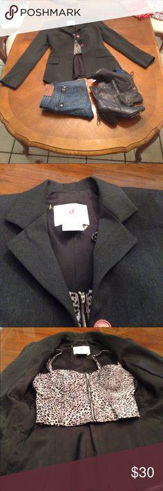 Vertigo Paris Blazer Vertigo gray blazer. Perfect condition Vertigo Paris Jackets & Coats Blazers