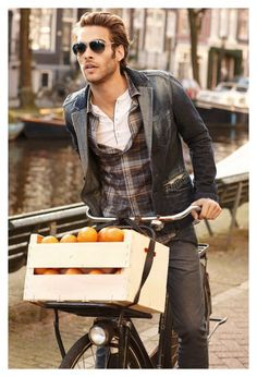 I just pinned something else from this shoot - I still think the bike is even hotter than the model.