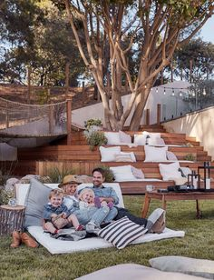 The Ultimate Outdoor Movie Night and Campout with Intel (Emily Henderson) Backyard Movie Theaters, Backyard Movie Nights, Outdoor Movie Nights, Movie Night Outfits, Family Movie Night, Family Movies, Outdoor Cinema, Outdoor Theater, Tiered Seating