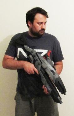 Mass Effect M8-Avenger Assault Rifle Has Been 3D Printed http://3dprint.com/94160/mass-effect-m8-avenger-rifle/