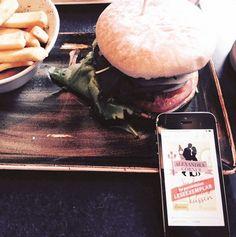 Mit einem guten Buch wird die Mittagspause gleich noch schöner! Wir sind auch bei Facebook unter Forever by Ullstein zu finden! Besucht uns doch mal :)
