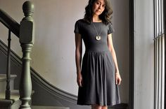 Colette : Grey Moneta Dress. Karyn looks wonderful and she has some great tips. I like the placement of the gathers!
