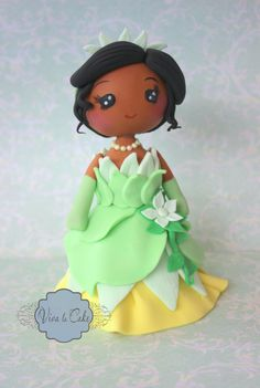 Princess and the Frog fondant cake topper by vivalacakeshop on Etsy Fondant Toppers, Disney Dolls, Porcelain Jewelry, Jewelry Dish, Princess Party, Princess Tiara, Gorgeous Cakes, Girl Cakes, Sugar Art