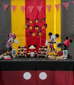Mickey Mouse & Minnie Mouse birthday party! See more party ideas at CatchMyParty.com!