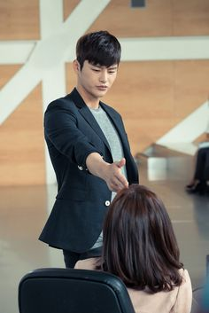 """""""I Remember You"""": Seo In Guk Gets Handsy With Jang Nara 