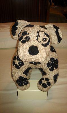 African flower Bull Dog.. Pattern : available @ http://www.ravelry.com/designers/heidi-bears.