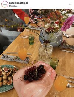 simply the loveliest final breakfast in stockholm with ❤️ they call this back room in the store the vagina because it's where all the magic happens 🙃 (and yes these are glass interpretations on the table) 🌺 Stockholm, Entertaining, Photo And Video, Table Decorations, Breakfast, Glass, Room, Instagram, Home Decor