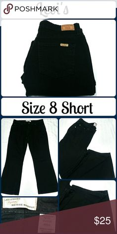 """Sz 8s Black Levi's Jeans Super cute and a perfect wardrobe staple! Excellent pre worn condition, worn 1-2 times! 99% Cotton, 1% Spandex.. These are in perfect condition, no fading, very black.  Waist 32"""", Inseam 28"""", Rise 10? No rips, tears, or stains, no wear on leg hems.... From a smoke-free, dog friendly home, No trades (J84) Levi's Jeans Boot Cut"""