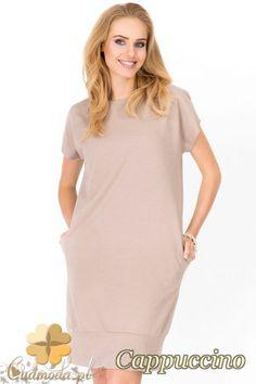 603f61d960 Dresowa sukienka z krótkim rękawem wyprodukowana przez firmę Makadamia.   cudmoda  moda  styl  ubrania  odzież  sukienki  mini  clothes  dresses