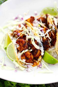 Taco Sauce Recipes, Healthy Taco Recipes, Shrimp Recipes, Yummy Recipes, Healthy Shrimp Tacos, Spicy Shrimp, Shrimp Taco Sauce, Creamy Dill Sauce, Blackened Shrimp