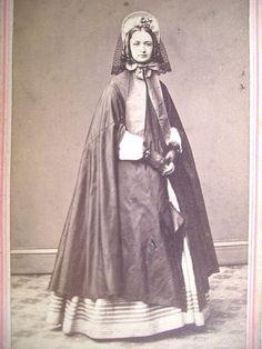 CDV Rev Stamp 1860s Fashionable Young NYC Woman Ringlets Bonnet Veil Cloak