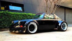 Porsche 911 Targa //