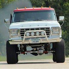 ford trucks old 1979 Ford Truck, Ford Pickup Trucks, Ford 4x4, Ford Bronco, Lifted Trucks, Truck Drivers, Classic Ford Trucks, Jeep Suv, Diesel Trucks